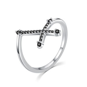 MOISS Efektní stříbrný prsten s černým křížkem R00019 53 mm
